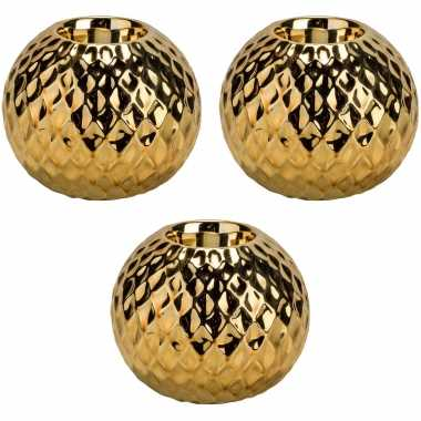 4x gouden waxinelichthouders/waxinelichthouders diamond 11 cm